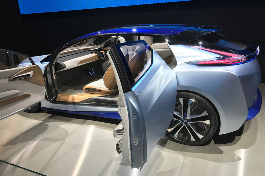 7 highly connected cars you will drive in the future