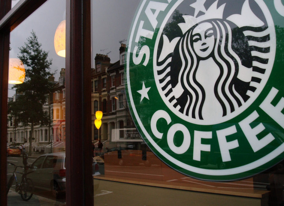 Starbucks CEO Schultz plans to hire 10,000 refugees after Trump ban